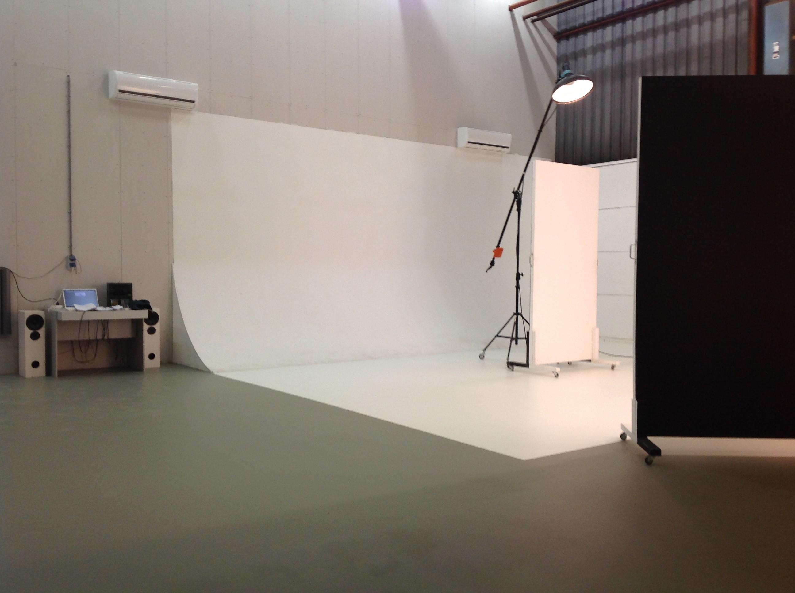 vloercoating aanbrengen bij fotostudio in ede achterberg